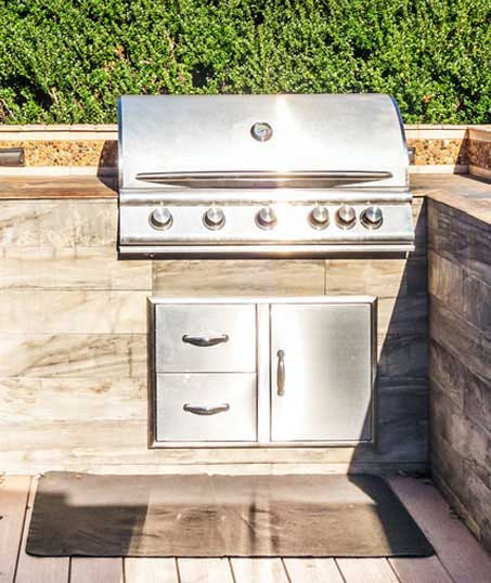 King's Lawn Care LLC Outdoor Kitchen Services