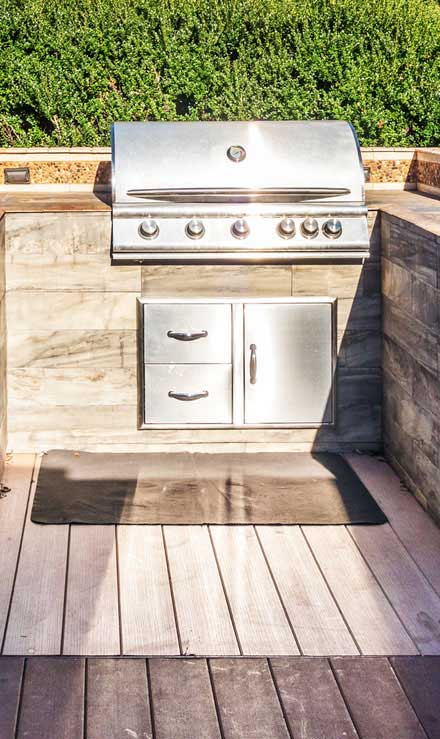 King's Lawn Care LLC Outdoor Kitchen